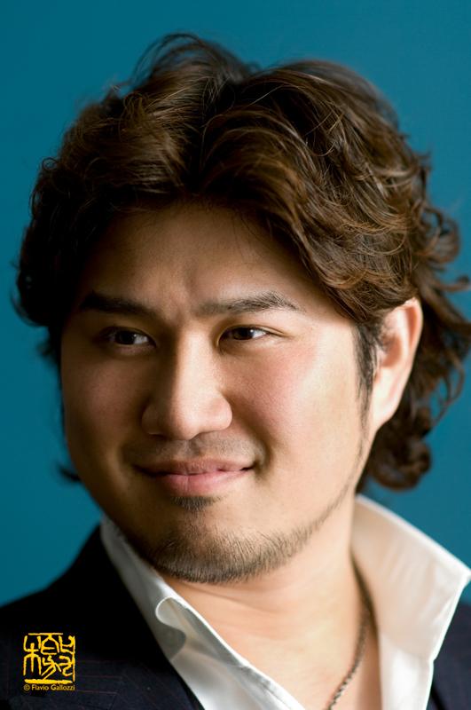 Ritratto del cantante Fueda Hiroaki
