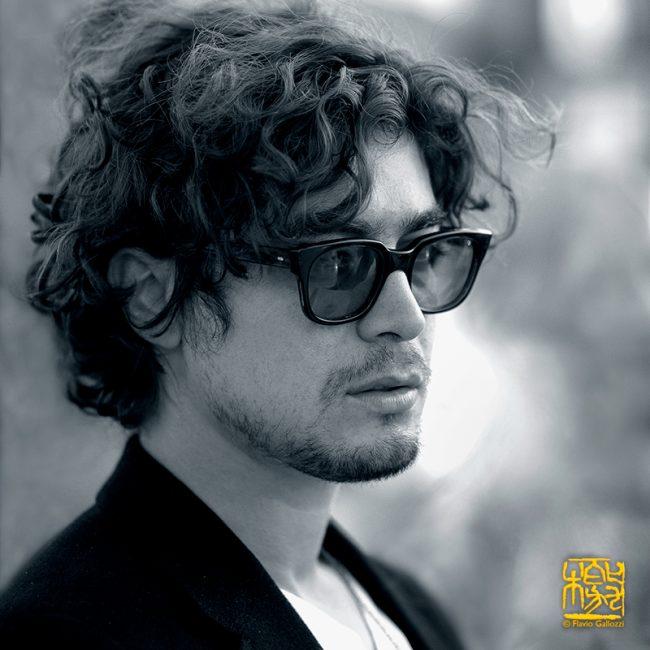 Ritratto di Riccardo Scamarcio attore.